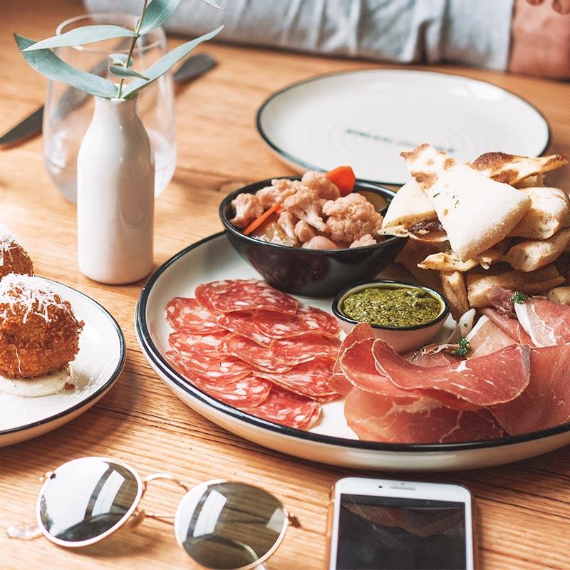 Princhos-raciones-y-tapas-en-restaurante-con-terraza-chamartin
